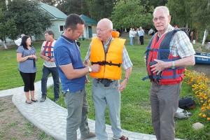 О.Макаров готовит любителей водных прогулок