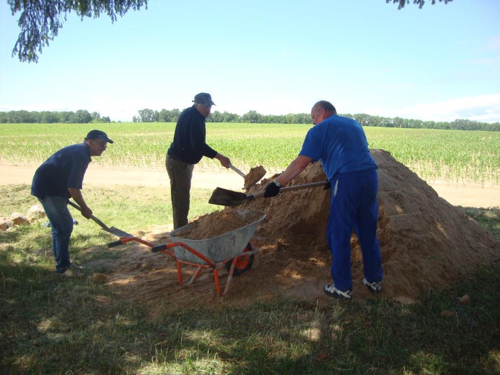 Резервисты Бундесвера посвятили часть отпуска работам на воинском кладбище
